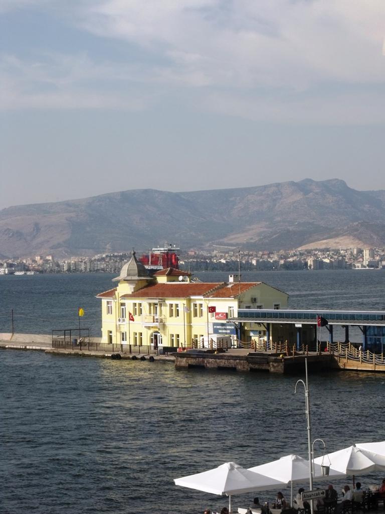 İzmir Büyük Şehir!